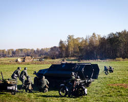 Очередная атака немцев с применением бронетехники